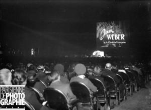 Guerre 1939-1945. Gala au cinéma Gaumont-Palace. Paris, novembre 1943